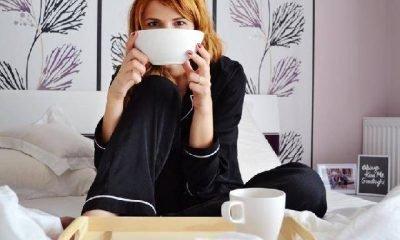 Kavanoz ve iki fincan kahvenin hikayesi