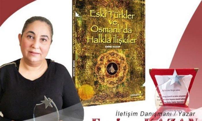 """Emine Kazan'a """"Gümüş Kariyer"""" Ödülü"""